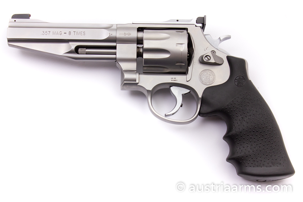 Smith & Wesson 627-5 Pro Series, 8-Shooter, .357 Magnum  - Image 1