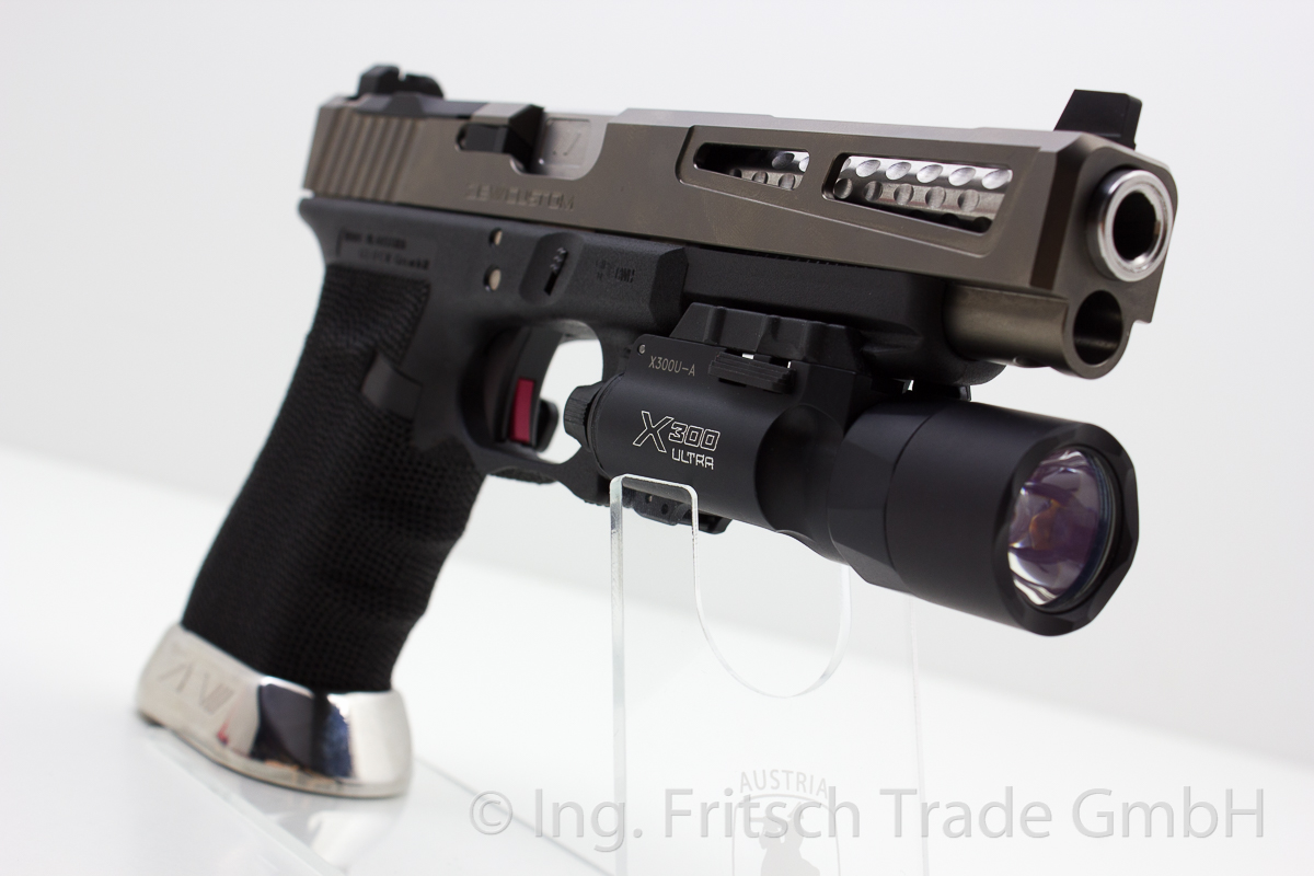 Surefire X300 Tactical Light - Image 2