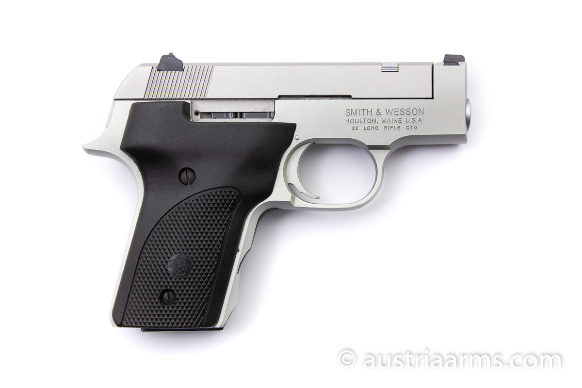 Smith & Wesson 2213, .22 LR - Image 2