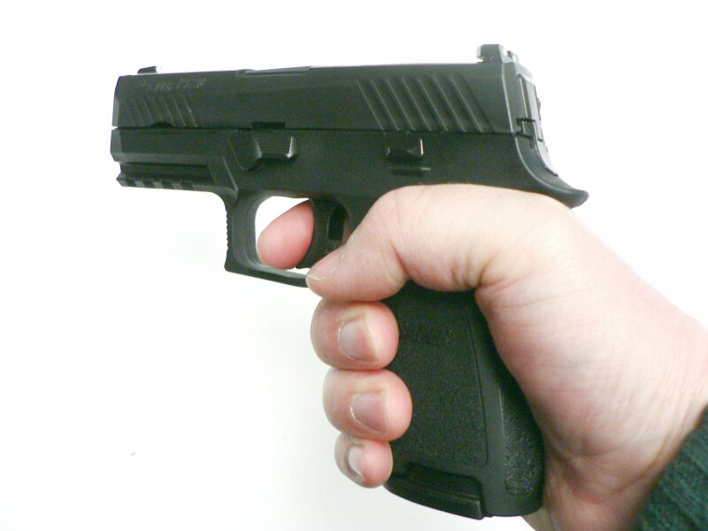 SIG Sauer P320 Compact, 9 x 19 mm - Image 4