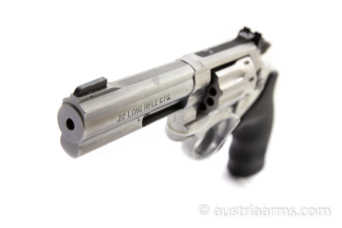 Smith & Wesson 617-6,  10-shooter,  .22 LR - Image 5