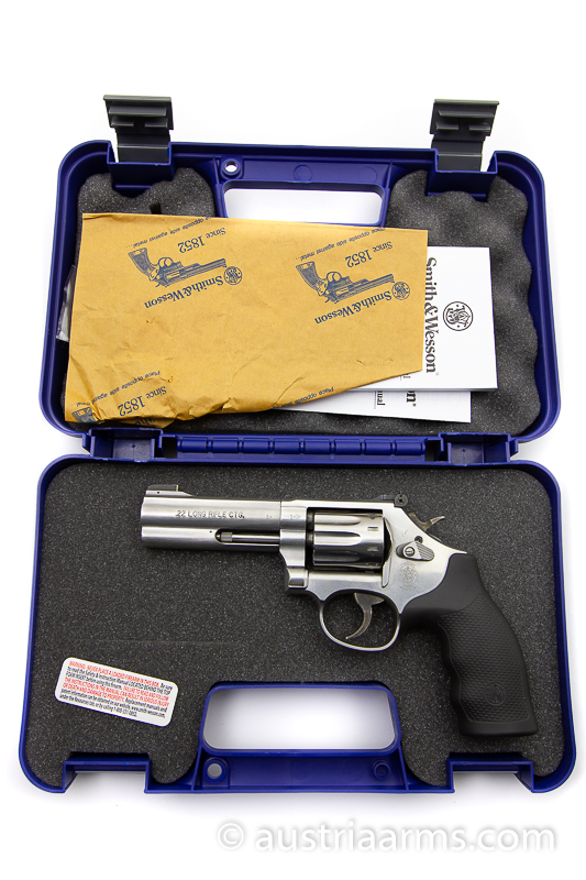 Smith & Wesson 617-6,  10-shooter,  .22 LR - Image 6